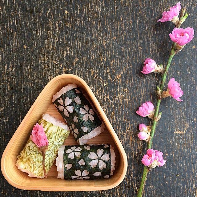 小善本店が販売している「のりあーと」を使うと、お弁当を手軽においしく、楽しくできちゃいます。季節に合わせたさまざまなアイテムがあり、桜の花びらの形をしたお花見にぴったりの海苔もあるんです。お花見やピクニックなどのお弁当に使いたいですね。
