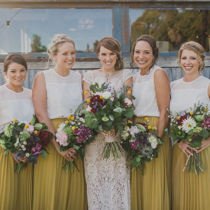Bridesmaid separates - mustard yellow maxi skirts and white tops. Love this look! Photo: John Benavente