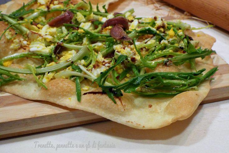 Pizza+schiaccia+con+puntarelle,+uova+e+alici