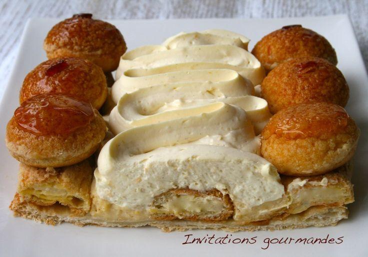 Divin Saint-Honoré - Fond de pâte feuilletée, choux garnis de crème pâtissière, le tout complété par une crème légère (mélange de crème pâtissière et d'une chantilly crème/mascarpone)