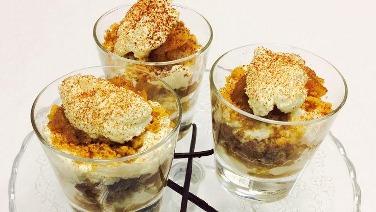 En oppskrift på den klassiske desserten tilslørte bondepiker er det mange som har. Dette er rockekokk Mats Paulsens versjon. Foto: Karoline Paulsen Årrestad / NRK