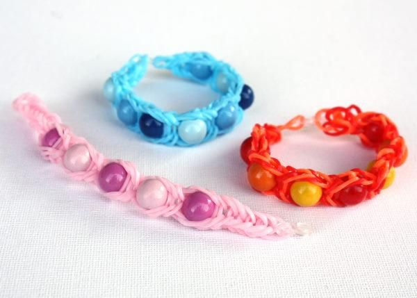 Loom bands tutorials. How to make it? Easy! Use fork, pens or comb!:) Enjoy it!