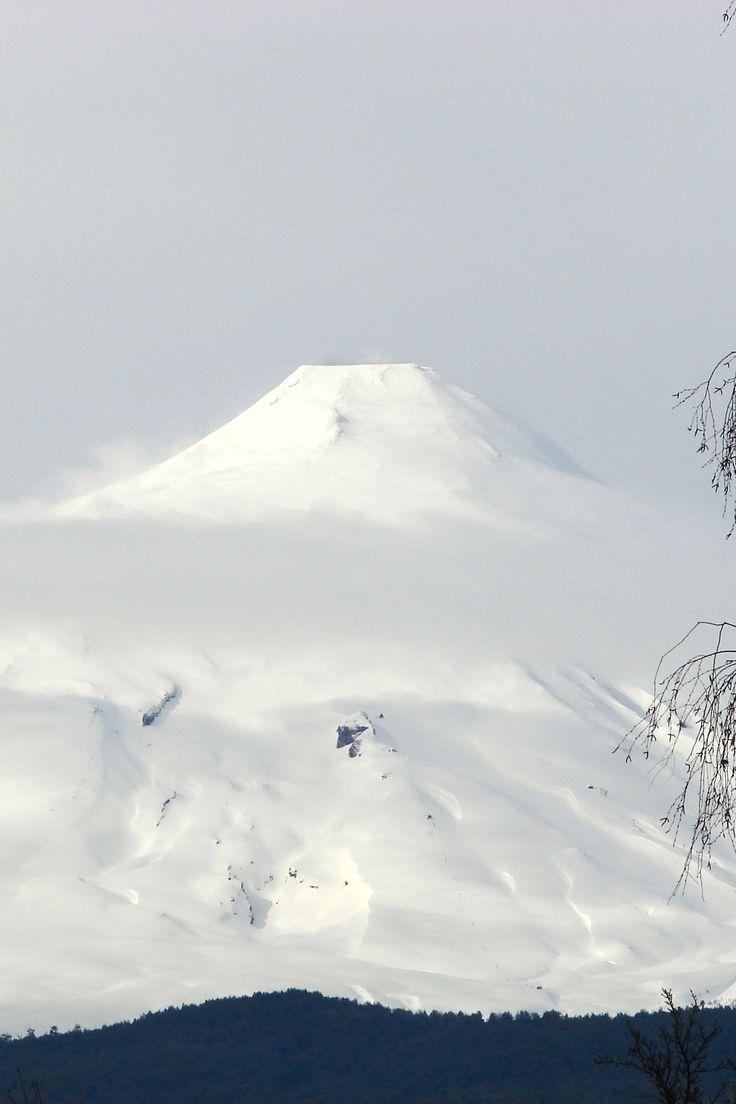 Villarrica volcano near Pucon, Chile O lindo Villa Rica em Pucon by (Joy Ride)