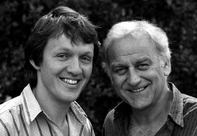 Still of John Thaw and Kevin Whately in Inspector Morse (1987)