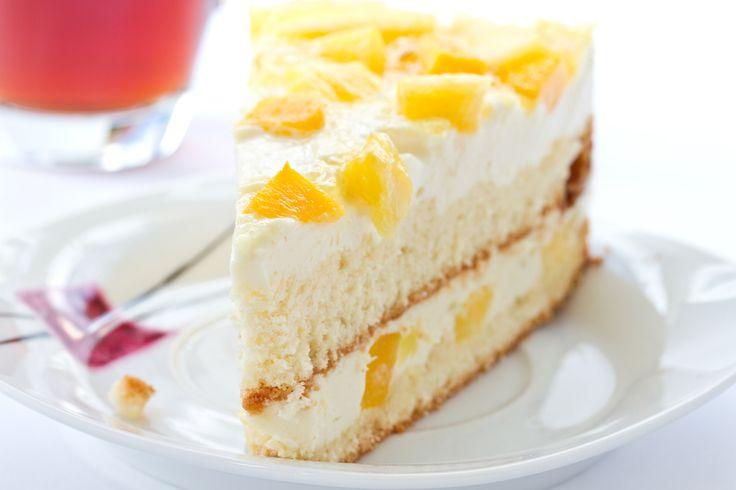 Un pastel muy rico y fácil de elaborar con un rico sabor y betún de piña.