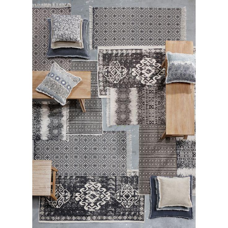 Vloerkleden in de leukste prints! #vloerkleed #woonkamer #interieur #wonen #wooninspiratie #vloer #kussens
