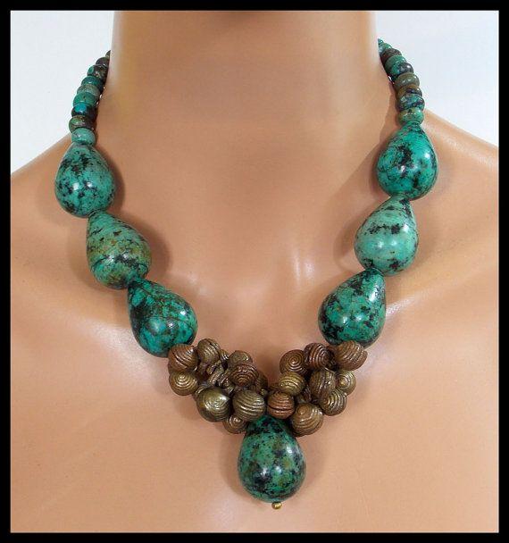 YORUBA cloches - Handcast vieux Yoruba cloches - qualité Turquoise 1 d'un collier de déclaration unique