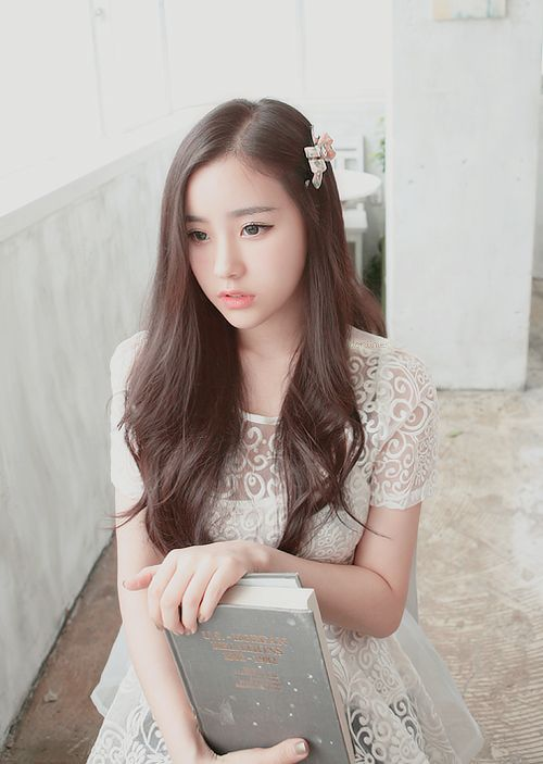 Ulzzang beauty and simplicity. This type of slightly see thru top (or dress maybe) is pretty and right on trend now.  -Lily #ulzzang #asian fashion: