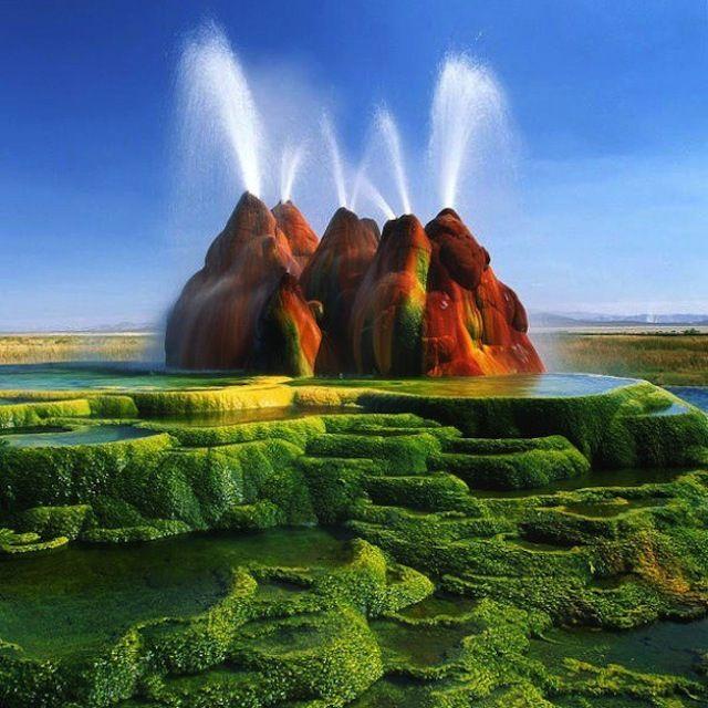 Green Fly Geyser, Nevada, USA