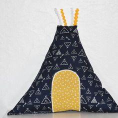 coussin de dcoration chambre garon forme tipi tons marine moutarde et - Modele De Chambregarcon Ado Blanc Et Gris
