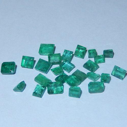 5.21 Karat kolumbianische Smaragde  Kolumbianische Smaragde vom Juwelierhaus Abt in Dortmund.  #smaragd #kolumbien #edelstein #juwelier #abt #dortmund