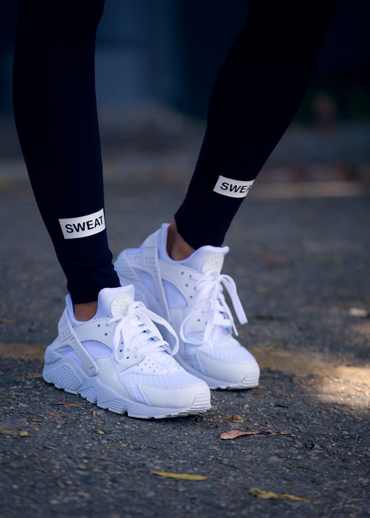 "Air Huarache ""All White"" (über Sweatthestyle) @ Nike US"