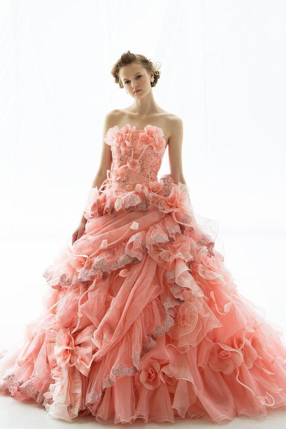 春爛漫のコーラルピンクドレス♡ 桜の時期のお色直しのアイデア☆