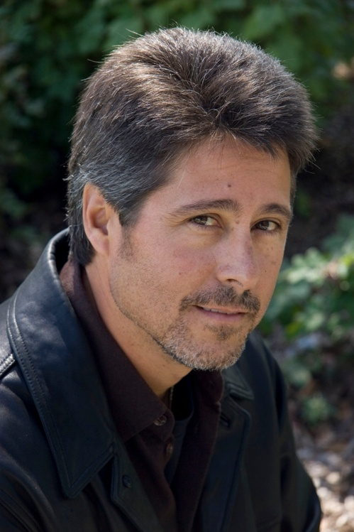Wrongful Death: an Interview with author Robert Dugoni. (non-fiction)