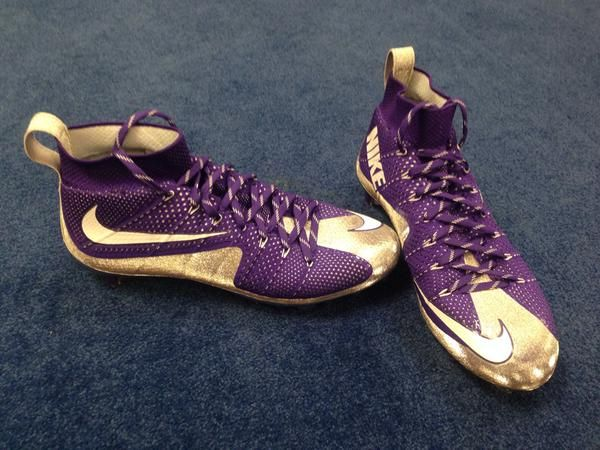 LSU To Wear Sick NIke 'Vapor Untouchable' Cleats vs Notre Dame (Photos)- http://getmybuzzup.com/wp-content/uploads/2014/12/404635-thumb.jpg- http://getmybuzzup.com/lsu-to-wear-sick-nike-vapor/- By Glenn Erby The LSU Tigers are pulling out a mean piece of footwear for their matchup with Notre Dame. A look at the Vapor Untouchable cleat from @usnikefootball that we'll be wearing tomorrow pic.twitter.com/qIRl9XtEVF — LSU Football Equip (@LSUFBEquipment) December 29,