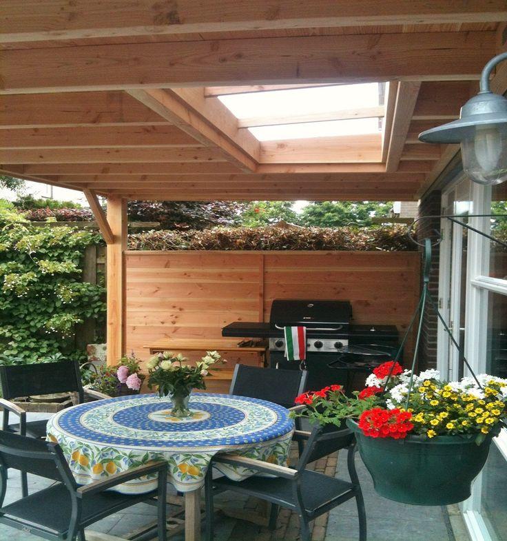 Lichtstraat in houten veranda aan huis houten overkapping robuust pinterest veranda 39 s - Huis met veranda binnenkomst ...
