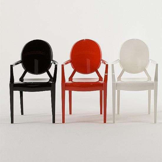 The louis ghost chair by philippe starck for kartell for Ghost room milano