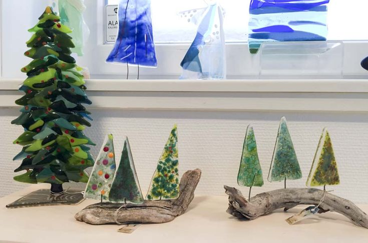 fused glass - christmas trees mounted on driftwood