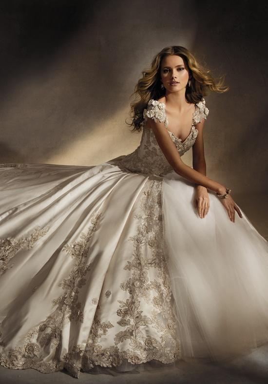 AMALIA CARRARA BY EVE OF MILADY 305 Wedding Dress - The Knot