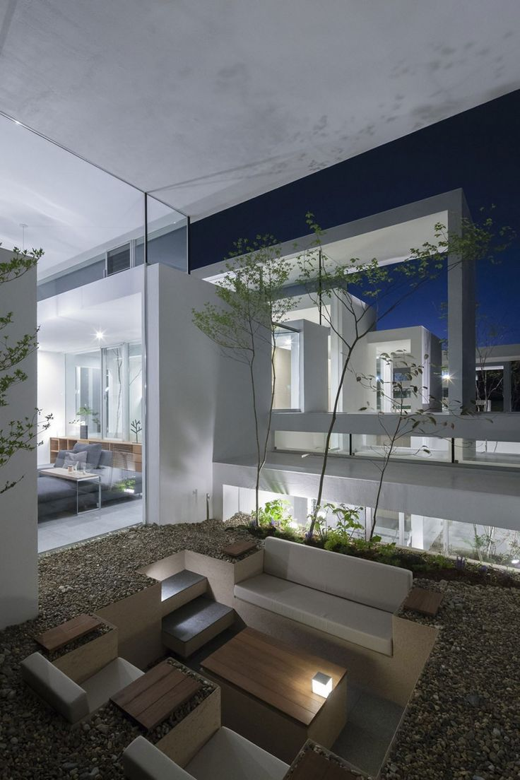 Front view luxury tropical house design 27 east sussex lane by ong - Cosmic By Uid Homedsgn