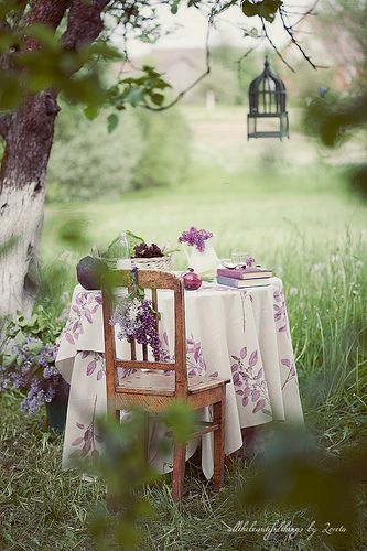 tinywhitedaisies:    ohhelloyouprettythings:    Countryside Wedding (by loretoidas)