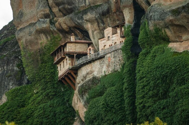 Meteora!! Visit the monasteries with 1000 Colours