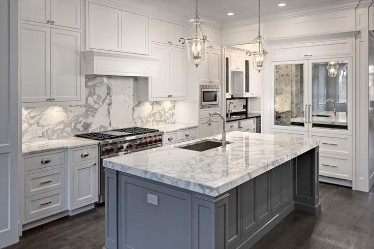 63 beautiful traditional kitchen designs carrara marble for Beautiful traditional kitchens