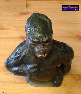 Erre Én is kíváncsi vagyok!: King Kong konyakos butélia.