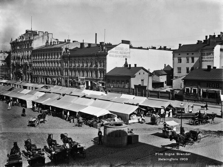 Helsinki ennen  Torikauppaa Rautatientorilla Helsingin kaupunginmuseo Signe Brander 1909
