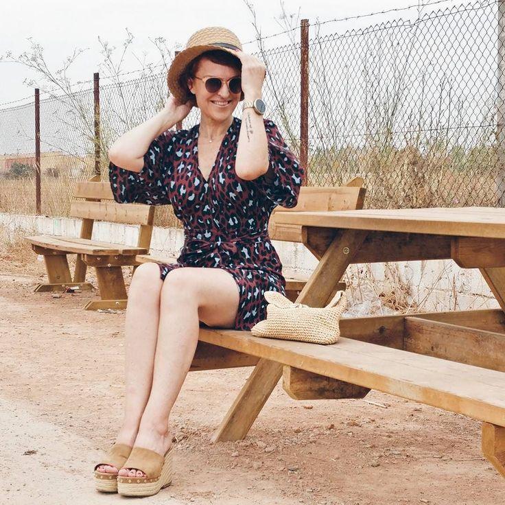 Feliz feliz  feliz todo!!! Amo la vida #fashiondiaries #fashionstyle #instalook #instadaily #instafashion #stylediaries #fashionstyle #stylegram #fashionladies #outfitinspiration #outfit #outfitoftheday #outfitgram #looktoday #lookidea #womenwear #womensclothing #bloggerhuntertr #ootd #mystyle #mylook #modeblogger #shareyourstreetstyle #womanstuff #spanishblogger #womenwhitstyle #outfitideas4you #almamodaaldia  #almamodaaldia