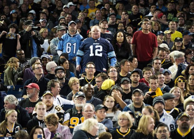 Lol Rob Ford watching the Hamilton Ticats beat Toronto Argos to go to the Grey Cup