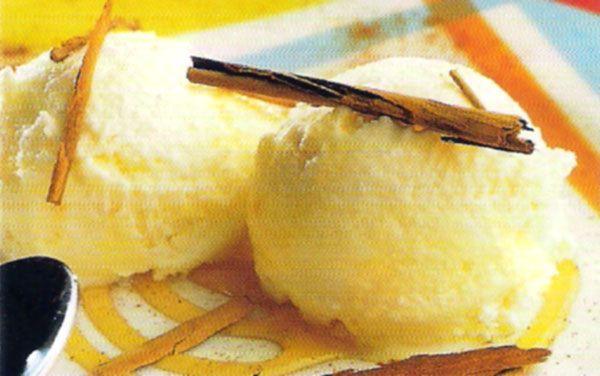 Receta de Helado de melocotón casero y yogur en http://www.recetasbuenas.com/helado-de-melocoton-casero-y-yogur/ Prepara este rico helado de melocotón casero y yogur de forma fácil y rápida. Es un postre helado muy sano y recomendable para tus hijos.  #recetas #Postres #helado #melocoton