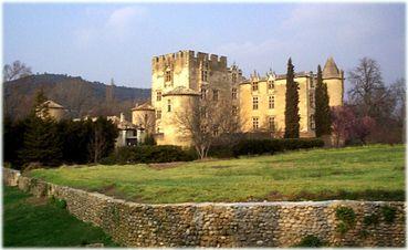Chateau d'Allemagne en Provence- chambres d'hotes et gites -Allemagne en Provence- Var