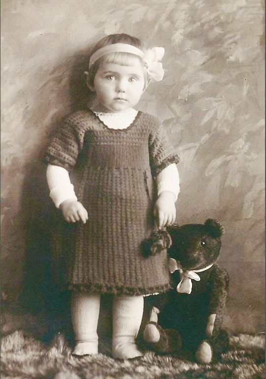 antique pic ~ girl and her teddy