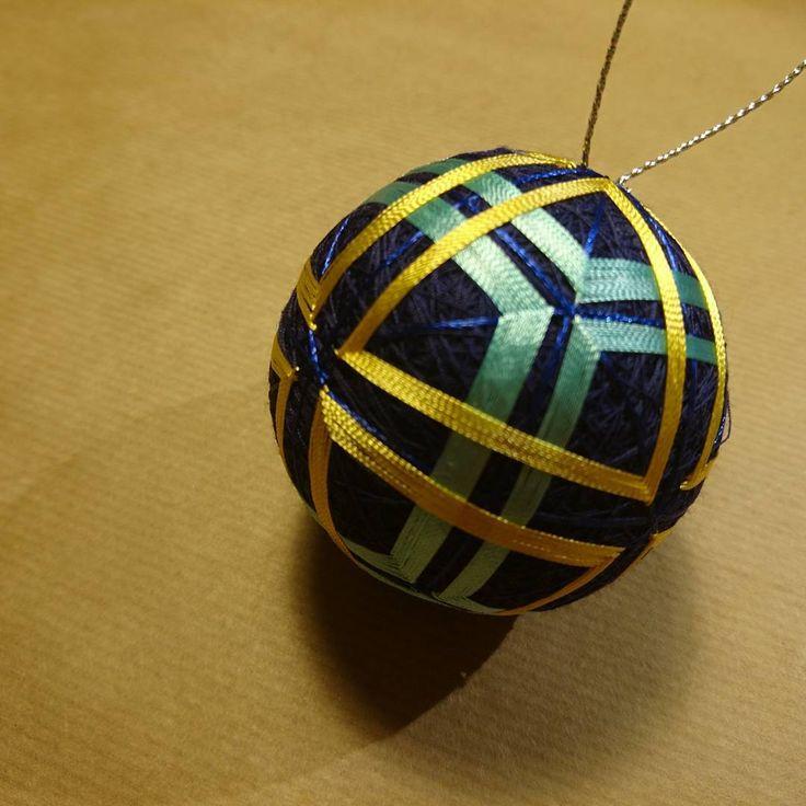 "9 Likes, 1 Comments - Raluca Ioana Simonffy (@ralucamorena) on Instagram: ""#squares and #triangles #temari #ball #xmasdecorations #crafts #craftsuk #handmade #handcraft #xmas…"""