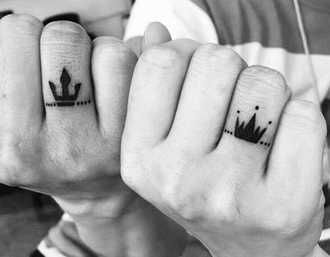 24 Increibles Tatuajes Pequenos Para Parejas Con Significado Disenos De Tatuaje Para Parejas Tatuajes En Pareja Pequenos Tatuajes De Parejas