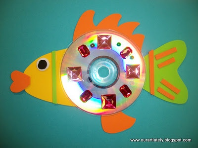 recycled CDs for fish. summer or spring - AWESOME idea for all those scratched CDs and DVDs!!