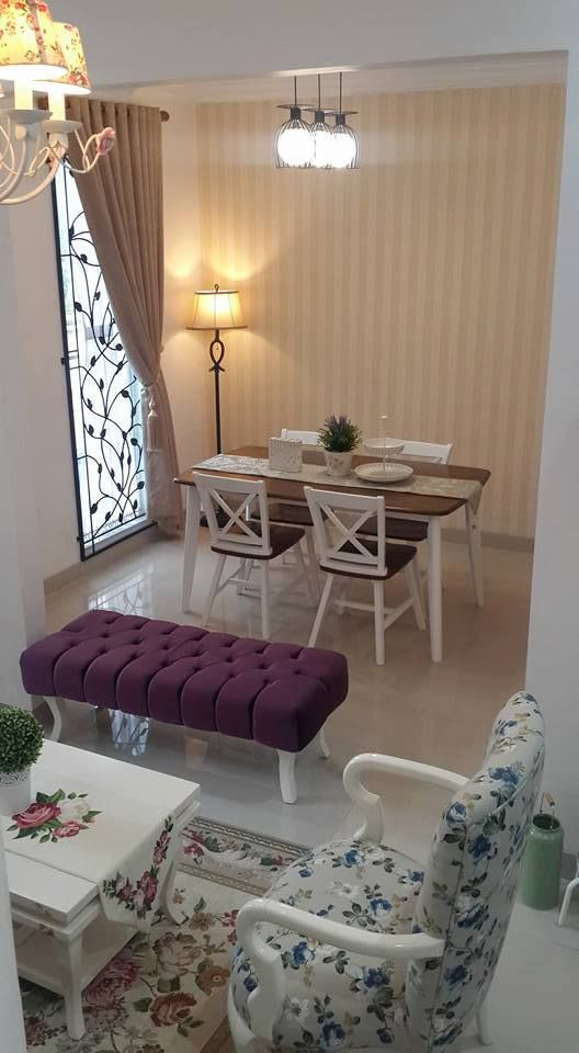 Captivating Shabby Chic Interiors, Dream House Plans, Building Architecture, Barn  Doors, Living Room Designs, Dinning Table, Kitchen Dining, Dining Sets,  Lighting Ideas