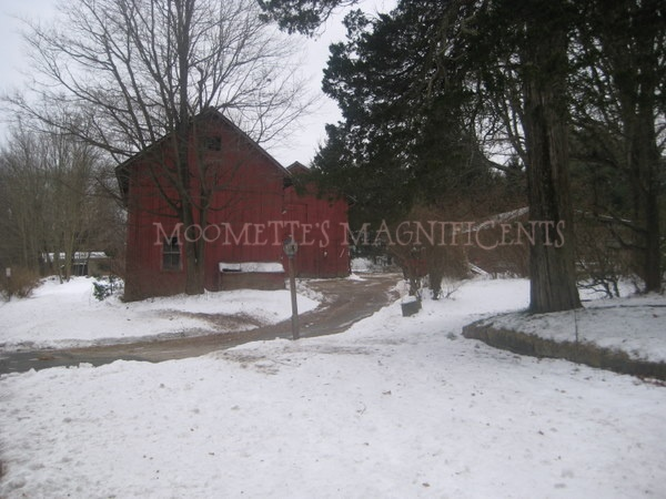 Connecticut red barn in winter #Connecticut #barn  http://moomettesmagnificents.com/blog/red-barn-in-snow-connecticut-winter-wordless-wednesday/