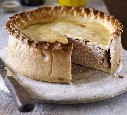 Fidget pie - or fidgety pie - makes a lovely autumn meal. Turn it into a proper harvest lunch with some country bread, piccalilli and a glass of cider