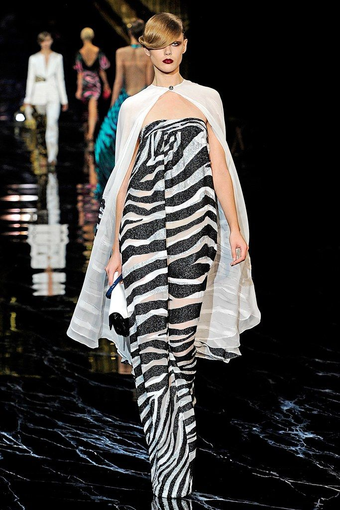Louis Vuitton Spring 2011 Ready-to-Wear Fashion Show - Frida Gustavsson (IMG)
