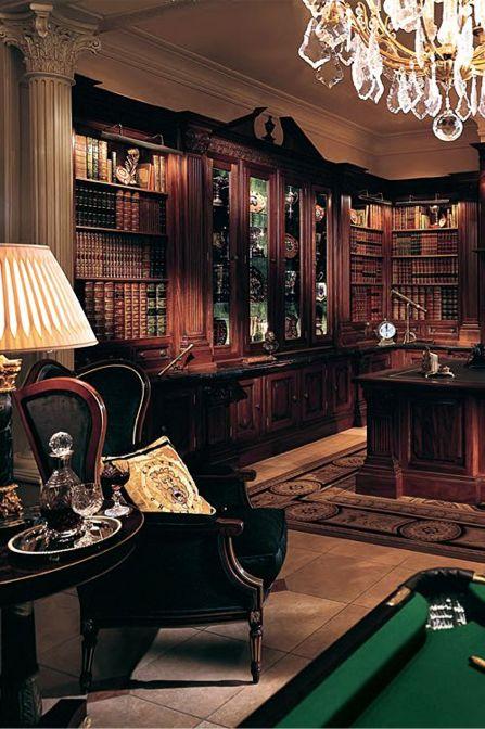 kütüphanede bilardo masasıyla, içki tepsisinin yer aldığı sehpayla çok 'erkeksi' bir kütüphane odası olmuş :) ama aynı zamanda bir İngiliz romanından fırlamış gibi :)
