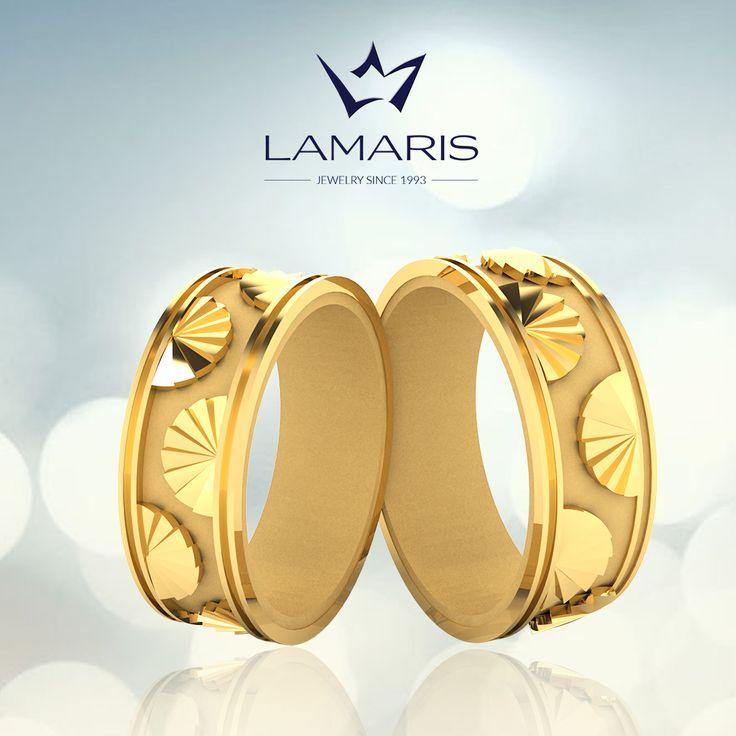 Set verighete din aur cu motive evantai.