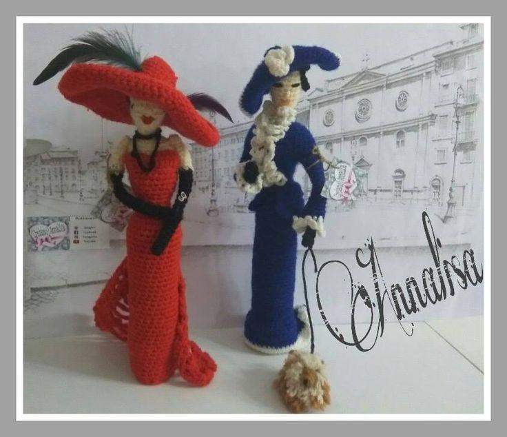 Bambole amigurumi con abiti d'epoca uncinetto