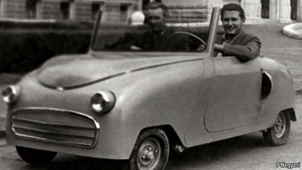 1950's Magyar Uttoro (Hungary) microcar with 200cc 2-stroke Csepel motorcycle engine with Kick-Start