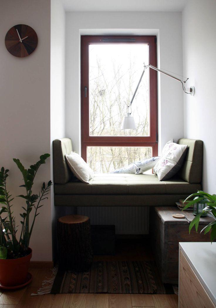 nad kanałkiem : Skandynawski salon od JJJASKOLA ARCHITEKCI