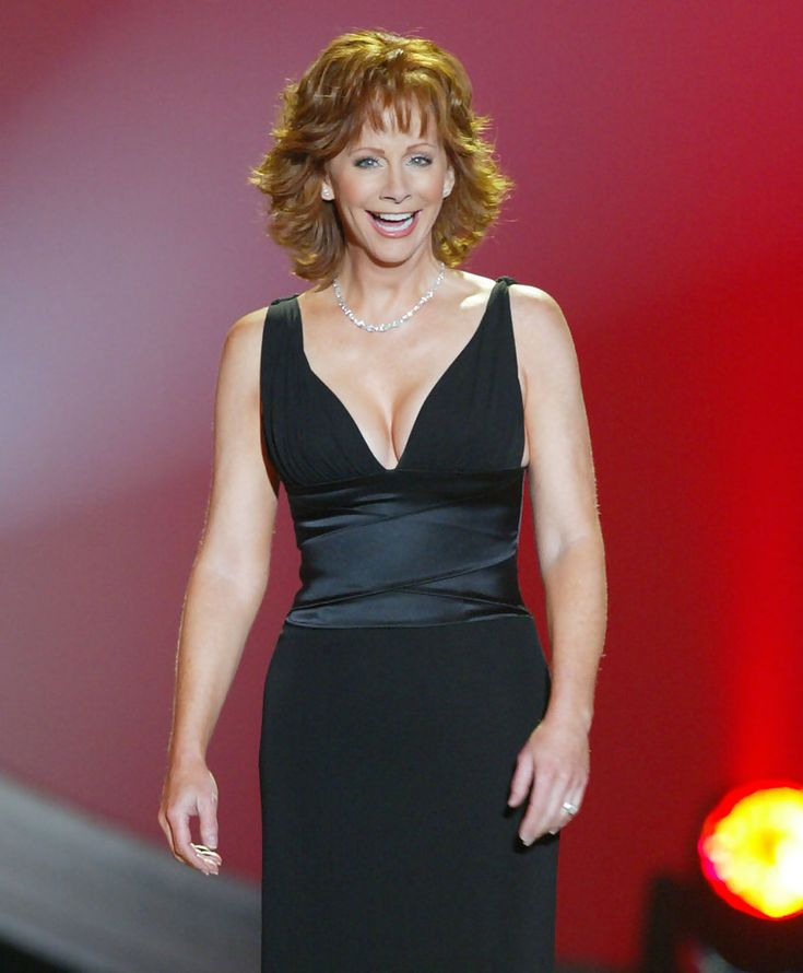 The always beautiful Reba McEntire at the 39th Annual Music Awards