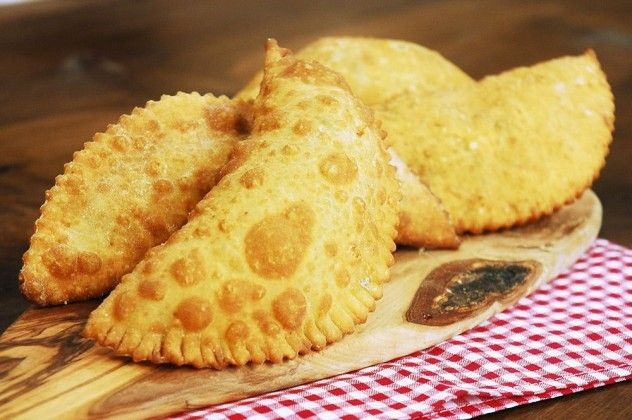 Peynirli Puf Böreği