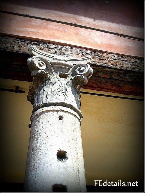 Dettagli: capitelli del centro - Details: capitals of the center, Ferrara,Italy, photo1