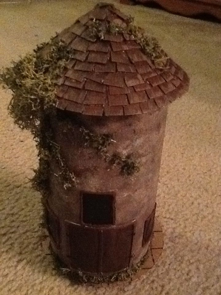 D&D tower I made using a Clorox wipe container